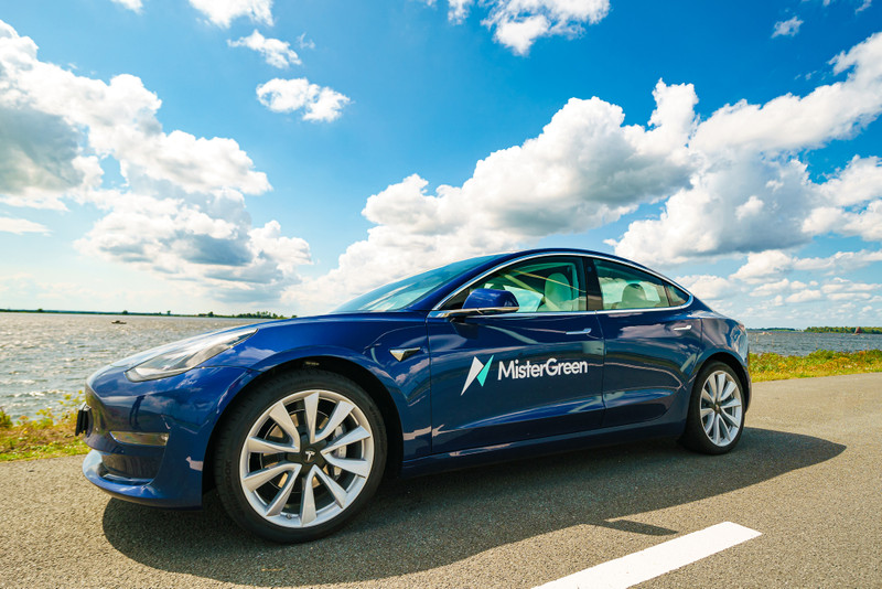 """""""Tesla Model 3 best verkopende auto van Nederland ..."""
